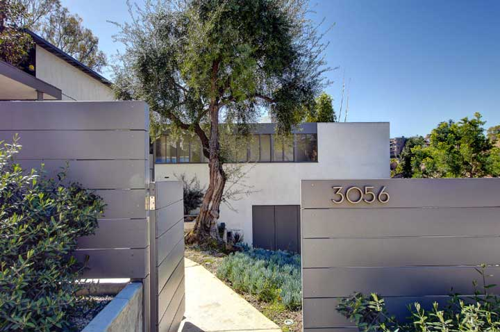 Austrian Spencer House by Raphael Soriano in Silver Lake CA