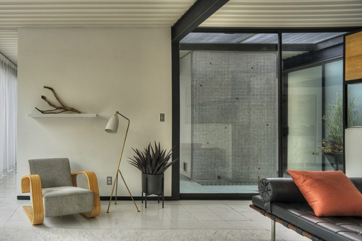Case Study House #21 by architect Pierre Koenig For Sale