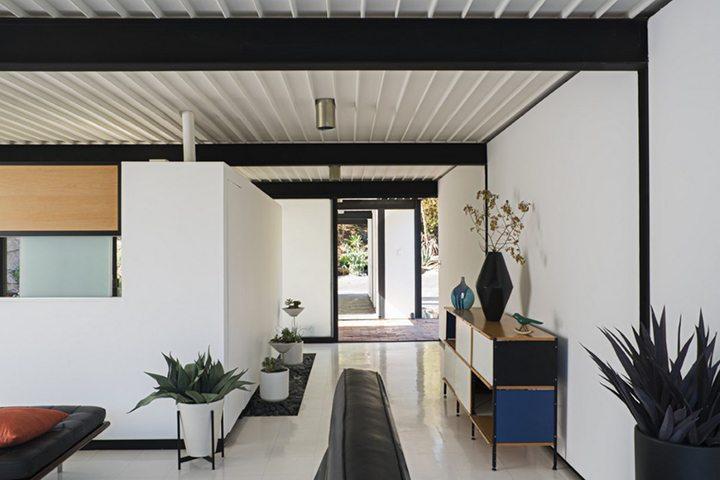 Case Study House #21 by architect Pierre Koenig