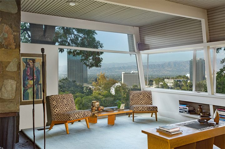 kallis-sharlin-residence-living-room-view-rudolph-schindler-hollywood-hills