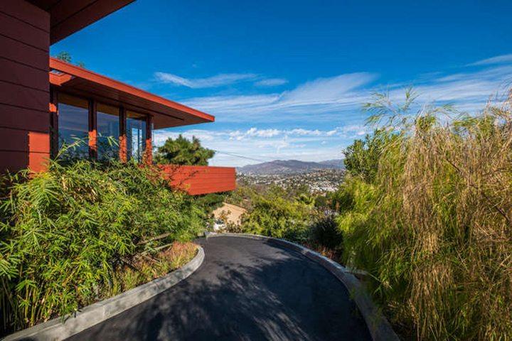 Mid Century Modern Architect W. Earl Wear Built Nine Residences in Los Angeles