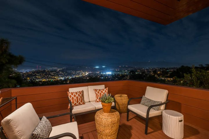 Mid-century modern home in Los Angeles designed by architect W. Earl Wear
