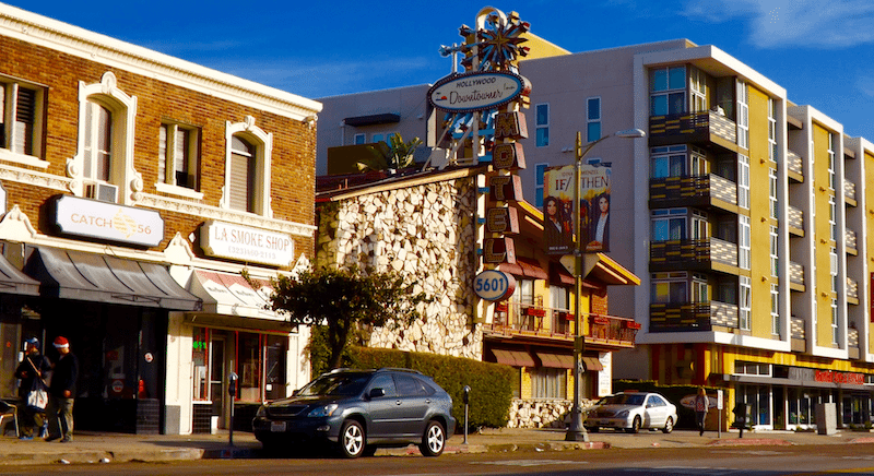 motel_and_two_other_buildings_on_hollywood_boulevard_in_thai_town_los_angeles_2015