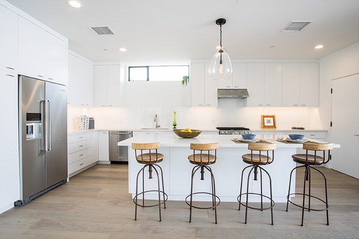 Modern small lot development in Silver Lake CA by Barth Partners