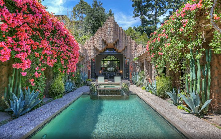 Lloyd Wright's Sowden House For Sale in Los Feliz