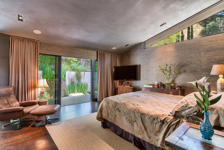 Mid Century Home Selling Hollywood Hills
