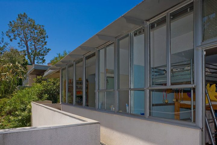 Richard Neutra Strathmore Apartments For Sale