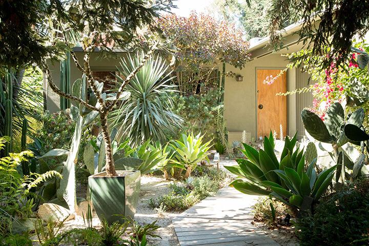 Midcentury Modern Home For Sale in Hancock Park