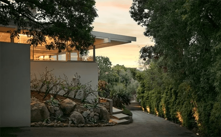 Hammerman House by Richard Neutra For Sale
