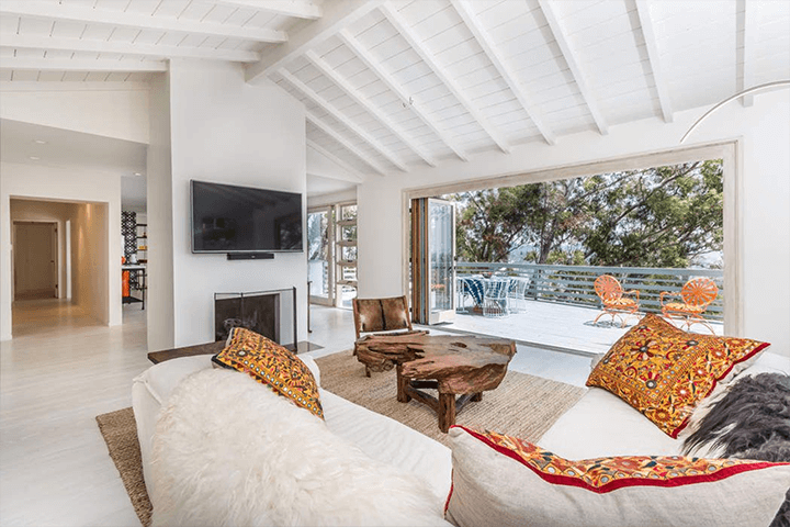 Contemporary Home For Sale in Silver Lake
