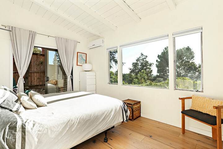 Mid Century Modern Dwelling For Sale in the Hollywood Hills