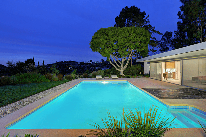 Swimming Pool of the Loring House by Richard Neutra