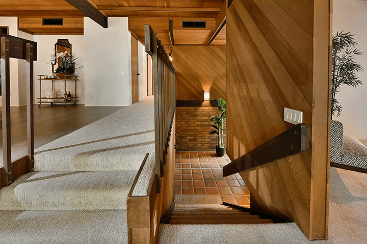 Richard Kemp post and beam for sale in Glendale