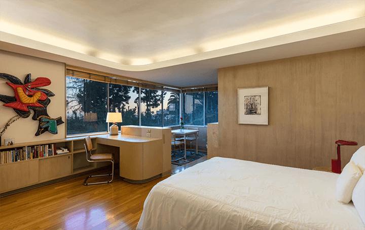 Moderne home by C. Raimond Johnson AIA