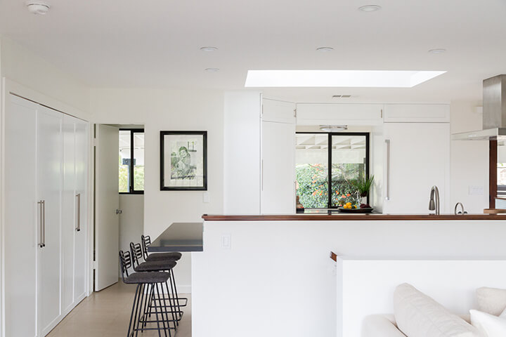Hollywood Hills view home for sale 90068