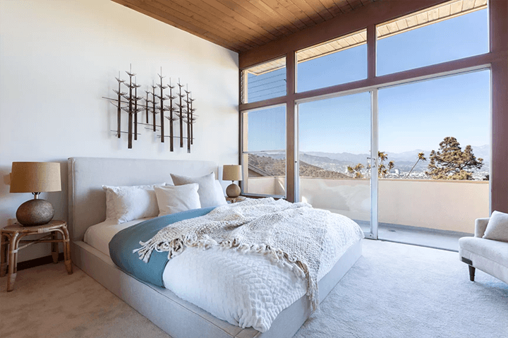 Midcentury modern home by Burnett C. Turner for sale in Los Feliz CA