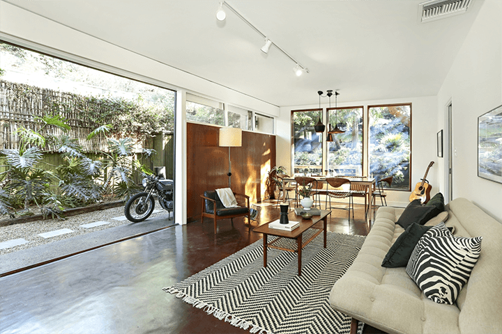 Midcentury modern home for sale in Highland Park