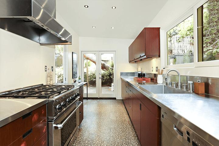 Midcentury modern residence for sale in Highland Park