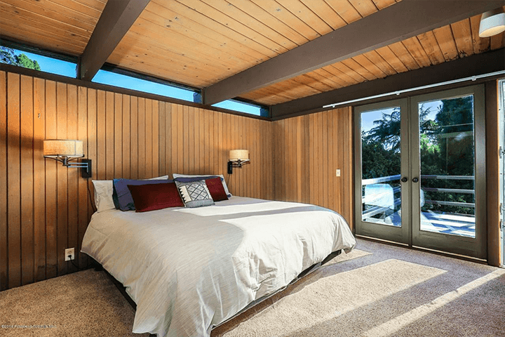 Buff & Hensman midcentury modern dwelling for sale in La Canada