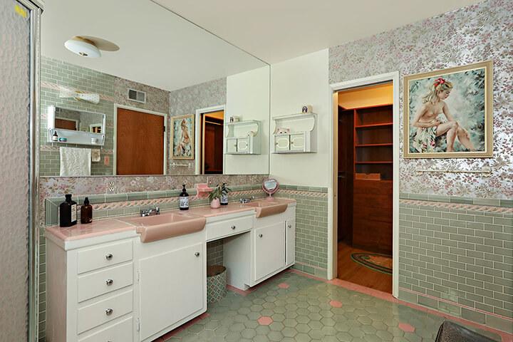 Midcentury modern dwelling for sale in Eagle Rock