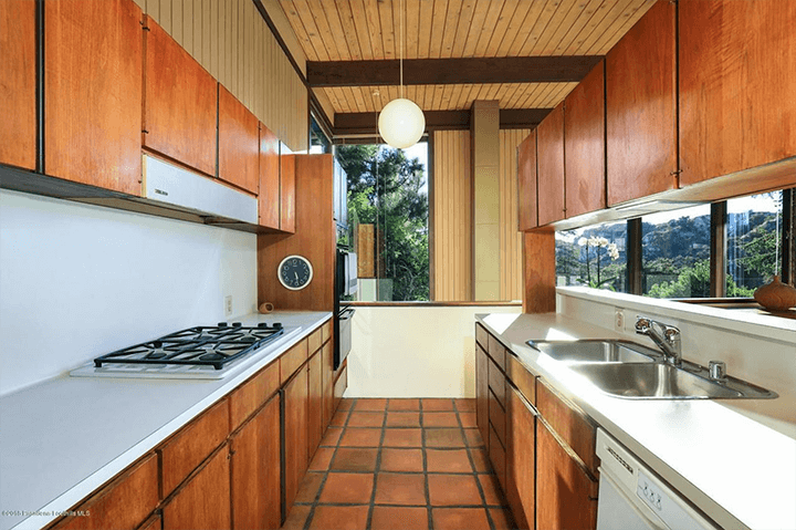 Midcentury modern home by Buff & Hensman in La Canada