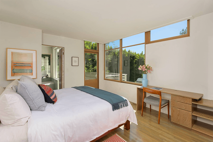Rudolph Schindler's Goodwin House for sale in Studio City CA