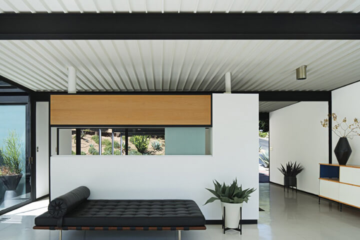 Case Study House No. 21 - Bailey House - by architect Pierre Koenig