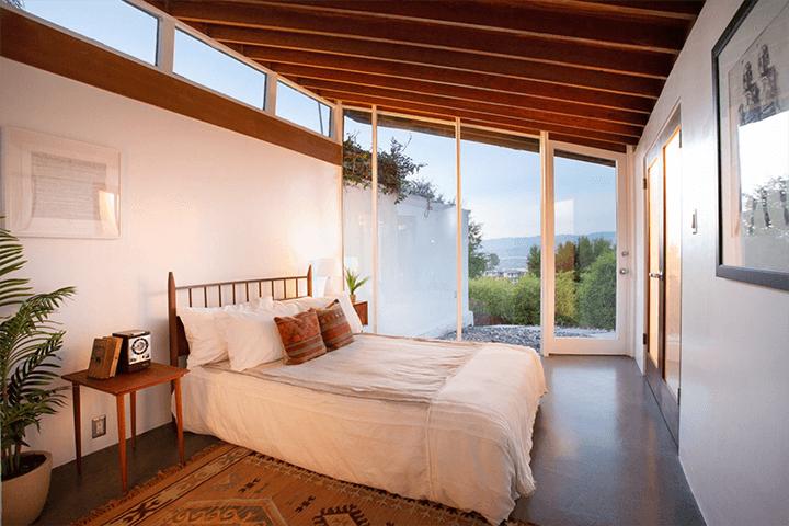John Lautner's Bergren House for sale in the Hollywood Hills CA