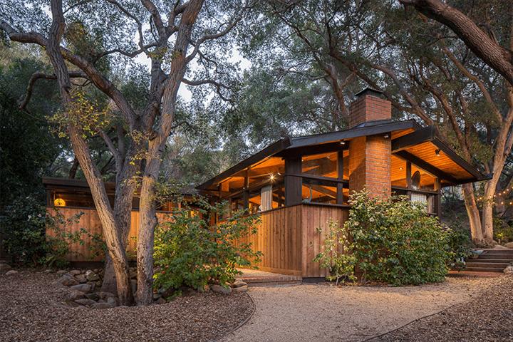 Midcentury home by Douglas Rucker