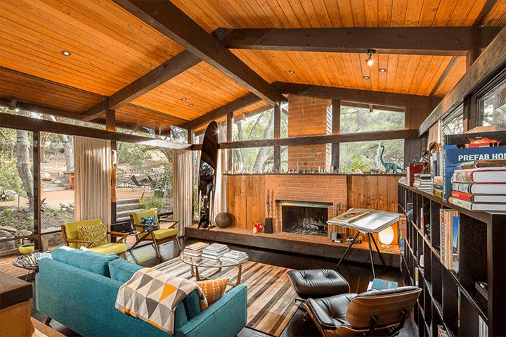 Midcentury modern home by Douglas Rucker