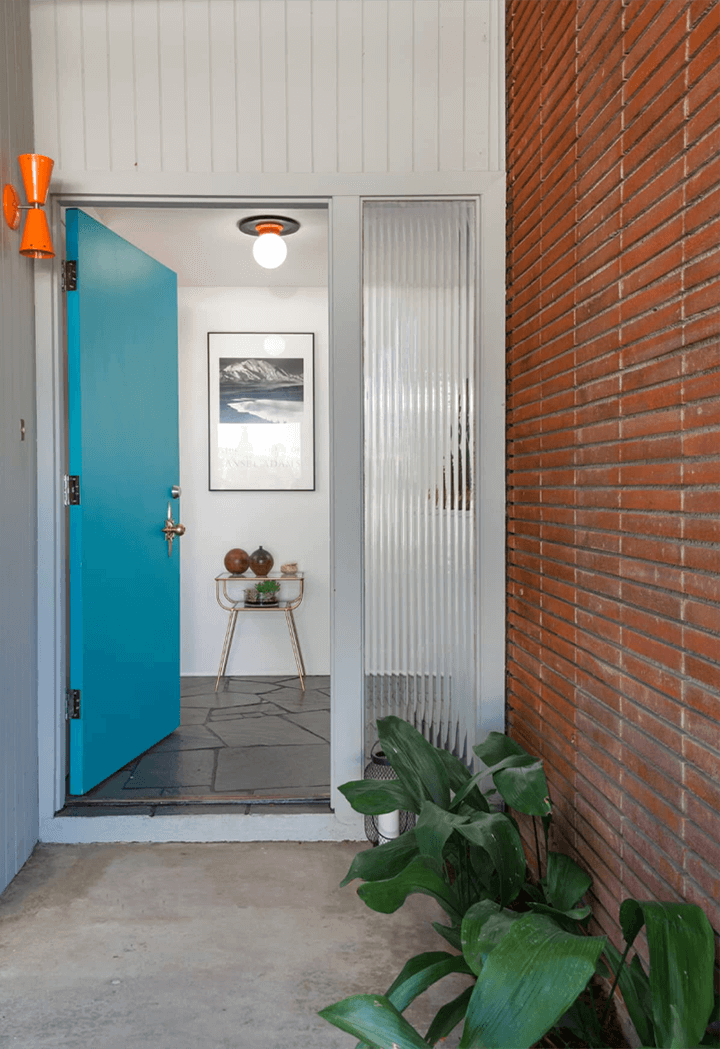 Midcentury modern house for sale in the Cahuenga Pass