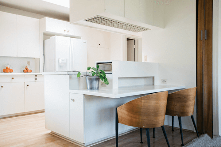 Midcentury modern house for sale in the Los Feliz Oaks 90027