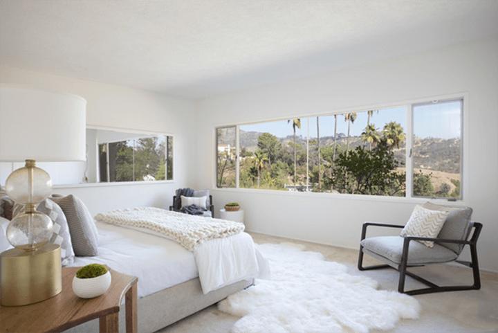 Midcentury modern house for sale in the Los Feliz Oaks CA
