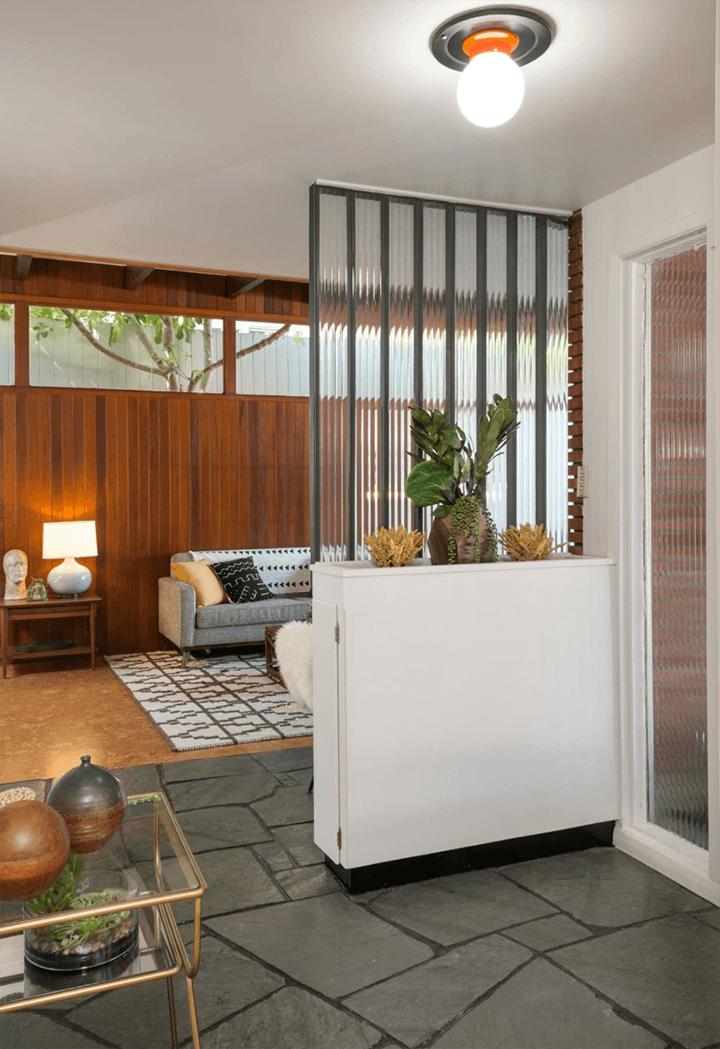 Midcentury modern residence for sale in the Cahuenga Pass 90068