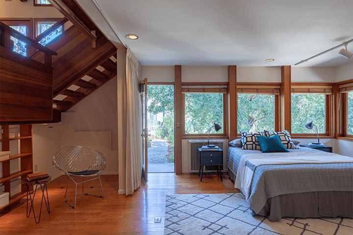 Modern home for sale by Barry Gittelson in Laurel Canyon Los Angeles
