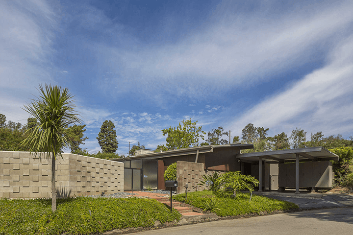 The Grant House in Crestwood Hills CA by A. Quincy Jones