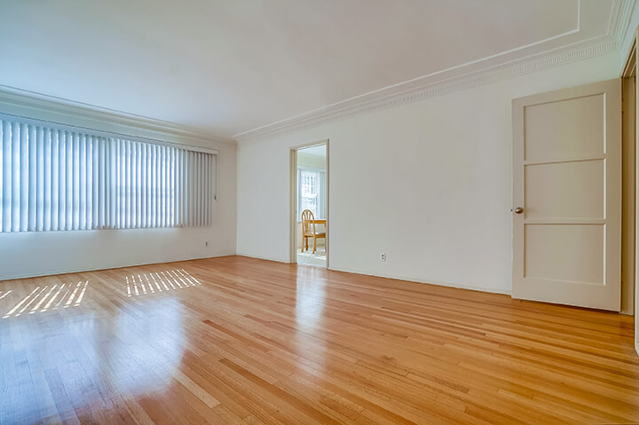 Two-bedroom apartment for lease in South Carthay CA