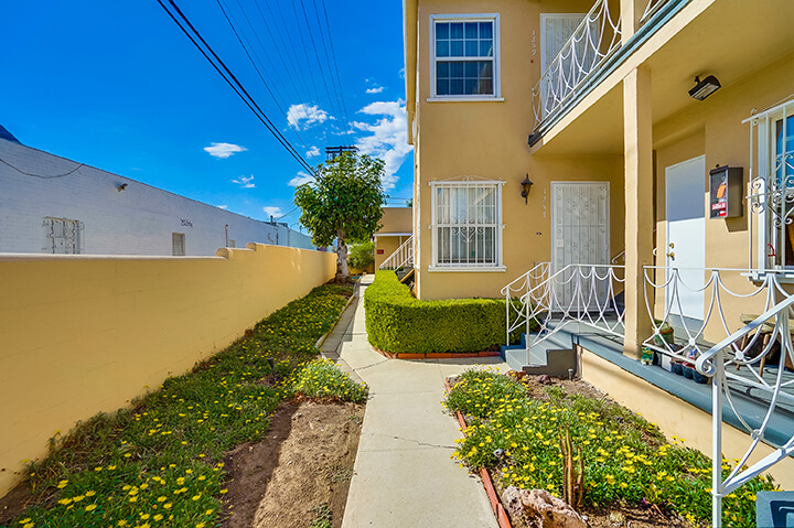 Two-bedroom unit for lease in South Carthay
