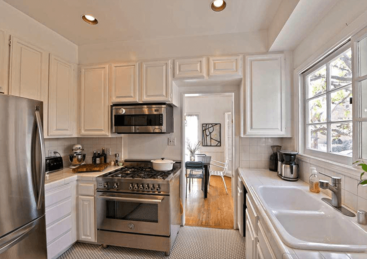 Chateau Beachwood Townhouse for sale 90068