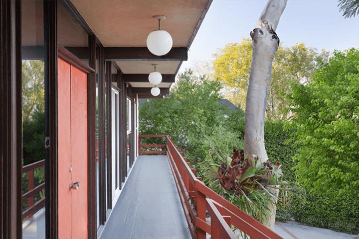 Mid-century modern home by architect Kazuo Umemoto