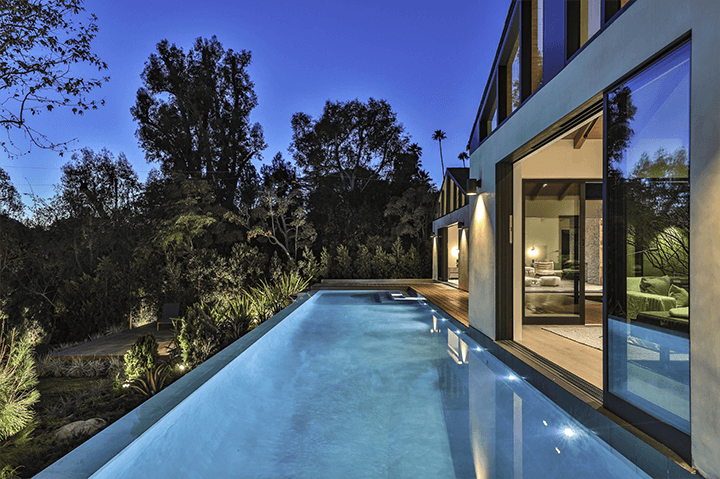 Simo Design home on Woodrow Wilson with infinity pool