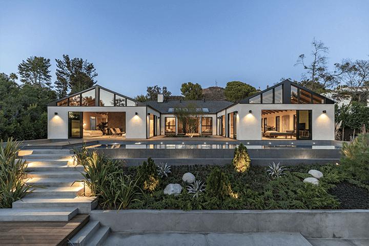 Simo Design home on Woodrow Wilson with infinity pool