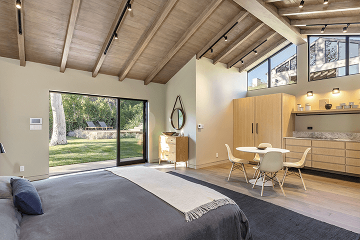 Simo Design renovated guest house on Woodrow Wilson