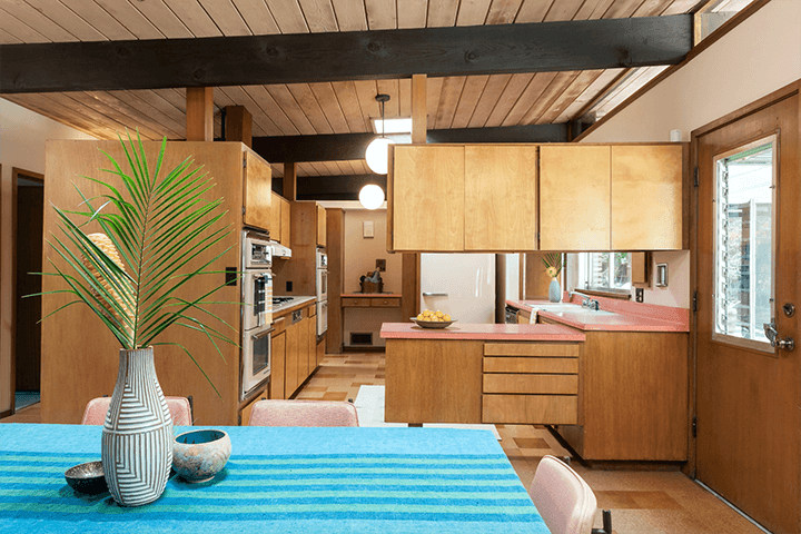 Architect Howard Lane's Schustack Residence