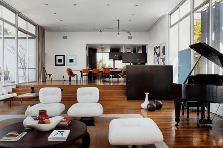 The Strick House by Brazillian architect Oscar Niemeyer
