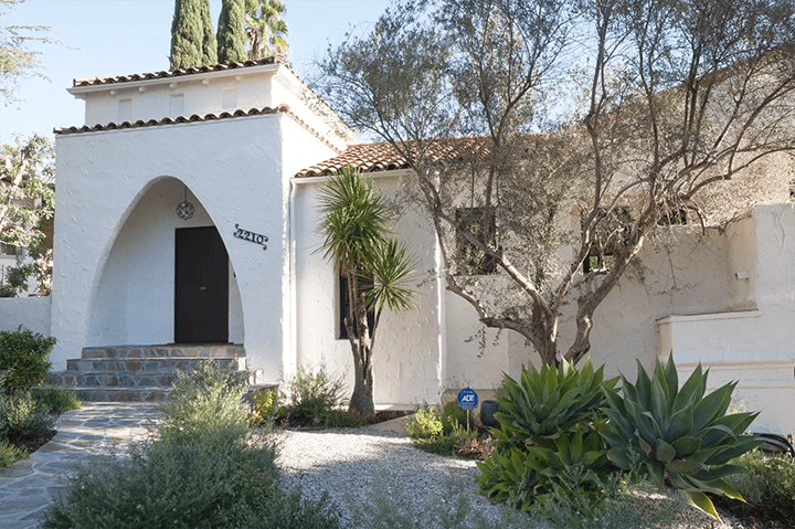 Frankie Faulkner-designed Spanish Colonial Revival–style home in Silver Lake Los Angeles