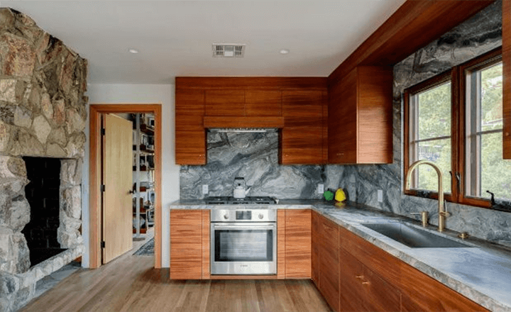 Midcentury modern house for sale in Beachwood Canyon