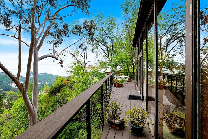 Ronald L. Buck-designed Beachwood midcentury home