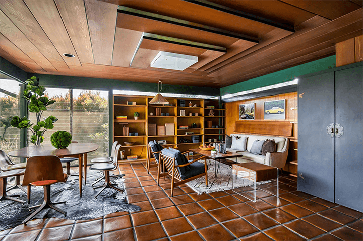 Midcentury modern home by Smith and Williams