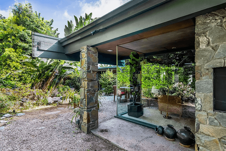 Midcentury modern house by Smith and Williams